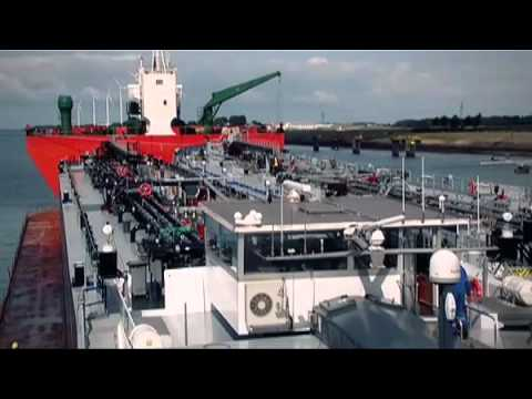 VT Group_Dockwise transport of two bunker tankers from Rotterdam to Panama
