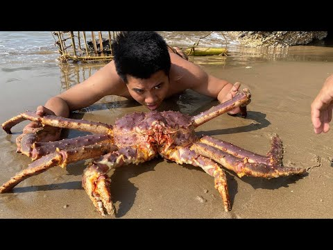 Primitive Technology with Survival Skills Wilderness Catch Giant Crabs On Uninhabited Islands