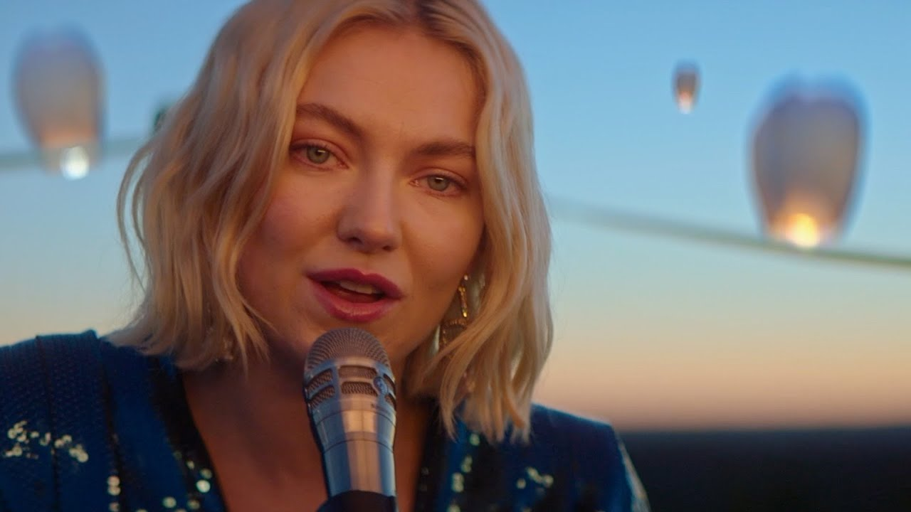 Download Astrid S - Years (Acoustic Video)
