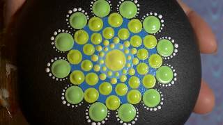 How to paint dot mandalas with Kristin Uhrig #40- Green Therapy