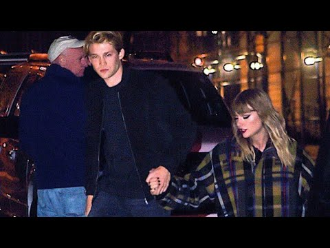 Taylor Swift and her boyfriend Joe Alwyn arriving to her apartment taking hands