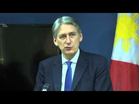 Hammond on IS group, South China sea