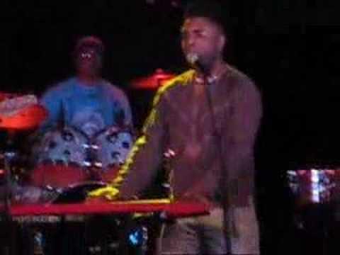 "Omar Live Performance, ""Everybody Loves The Sunshine, """