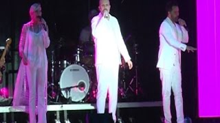 Miguel Bosé conquista con canciones de ayer y hoy