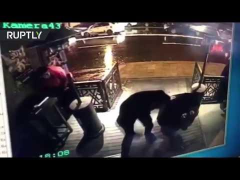 L'attentat de la boîte de nuit d'Istanbul depuis une caméra de surveillance