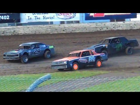 June 17 2017 Lebanon,Oregon.#29 David Cronk,#129 Brian Cronk,#89 Dakota Godard. - dirt track racing video image