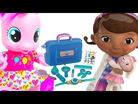 Видео, Доктор плюшева игровой набор чемоданчик доктора. Распаковываем Игрушку для детей от Доктора Плюшевой