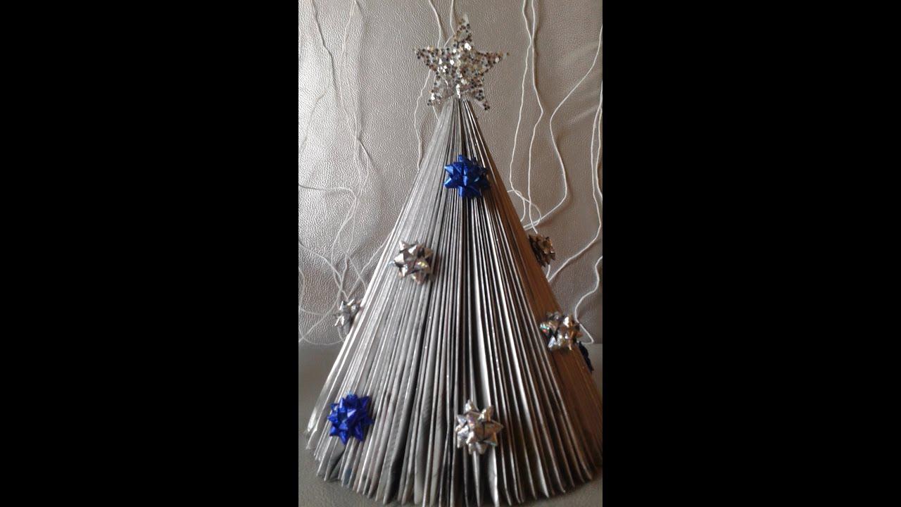 decoracao arvore de natal reciclavel : decoracao arvore de natal reciclavel:Arvore de Natal de revista /Natal reciclavel / decoração de natal