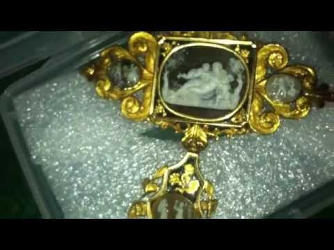 PHENOMINAL BAROQUE 22KT FIBULA BROOCH (C.1650 TO 1660)