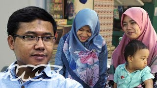 Video The Controversial Rise of Polygamy in Indonesia download MP3, 3GP, MP4, WEBM, AVI, FLV November 2018