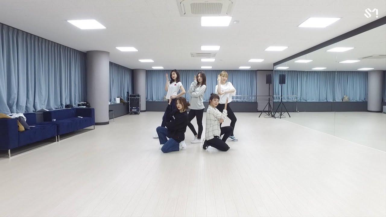 Red Velvet – Look