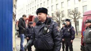 Майор Афанасьев обеспечивает работу незаконной стройки на Шпалерной 51(, 2014-03-04T06:19:28.000Z)