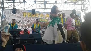 """Pesta adem segar sari CHINGKU di lap.kalitanjung Cirebon""""goyangan anak ini Bikin hebo semua orang"""""""