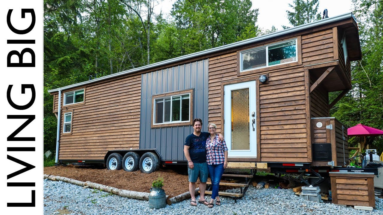 Tiny House Gives Financial Freedom In Expensive City Youtube