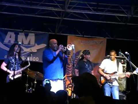 """Joey Sommerville's """"Swag"""" live performance with Marion Meadows and Paul Taylor"""