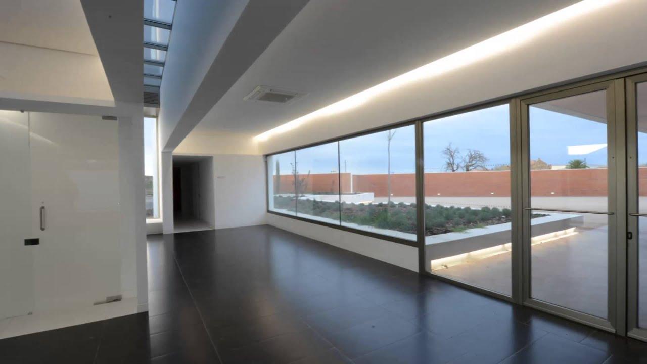 Tanatorio Municipal de Santa Cruz de Mudela - YouTube