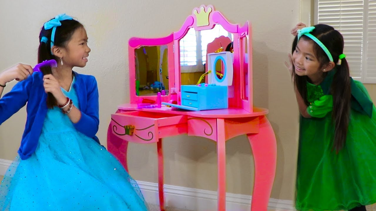 promo code 24efe 9ceda Emma & Wendy Pretend Play with Cute Pink Princess Makeup Vanity Play Table  Girls Toy