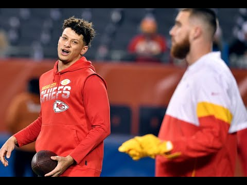 Patrick Mahomes, Travis Kelce And The Kansas City Chiefs Warm Up Before Chicago Bears Game