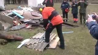 Работа спасательной бензопилы STIHL MS 461R, разрезание шифера и досок(, 2015-04-10T08:39:36.000Z)