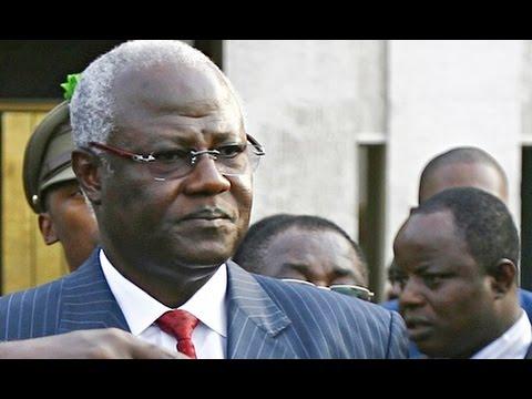 Breaking News : President of Sierra Leone fails to reach London to attend Ebola summit