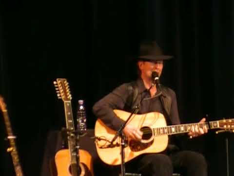 Roger McGuinn - She Don't Care About Time