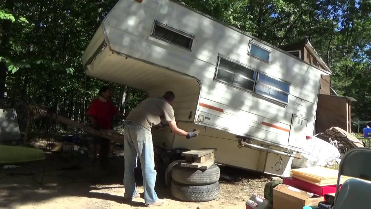 Mounting Fallen Truck Camper On Trailer Pt 2