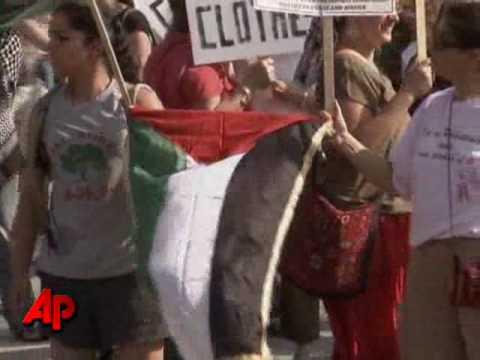 Raw Video: DC Groups Protest Over Israeli Raid