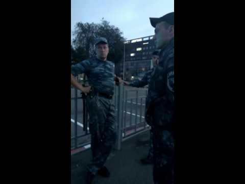 Быдло Охрана на Центральном рынке ! Прикрываеются начальником полиции города ХАрьков