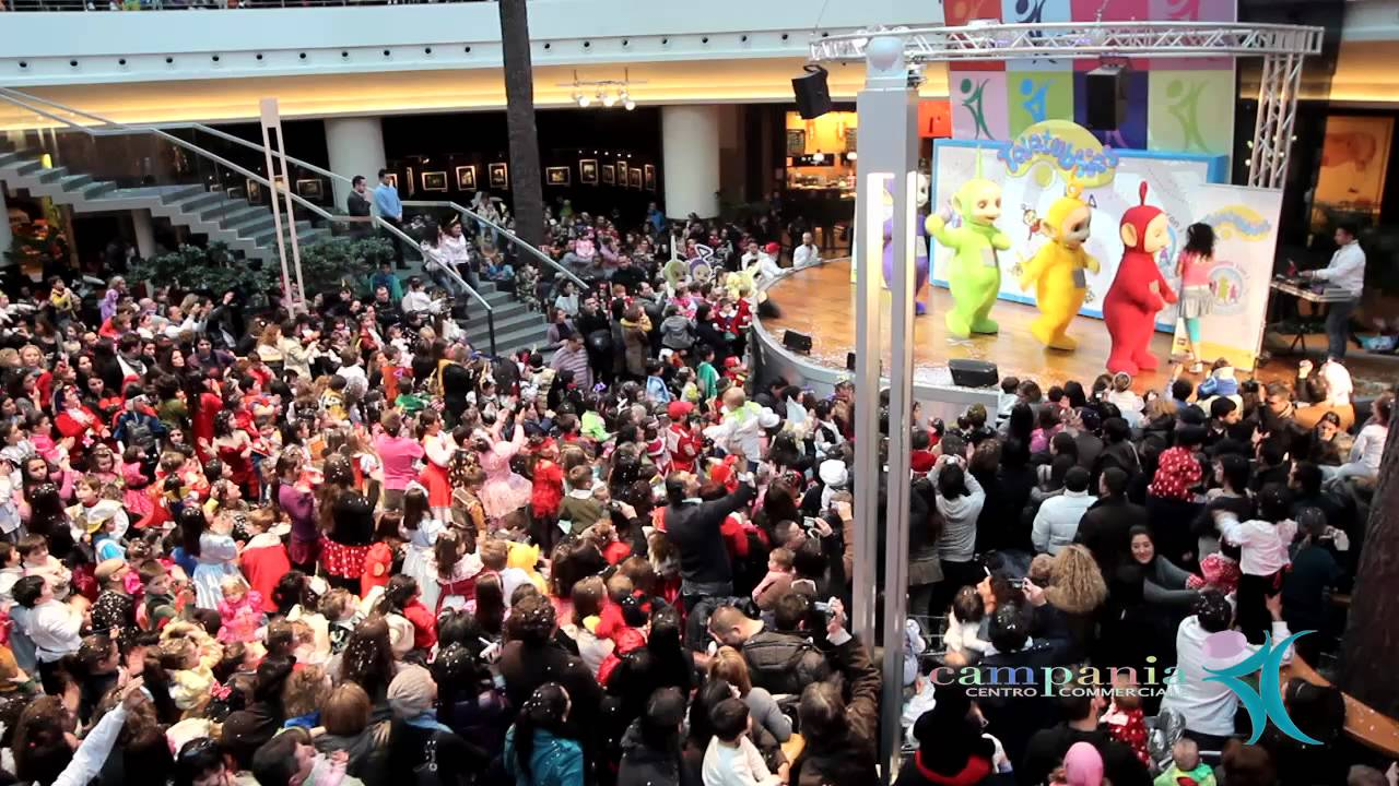 Carnevale 2012 centro commerciale campania balliamo con for Centro commerciale campania negozi arredamento
