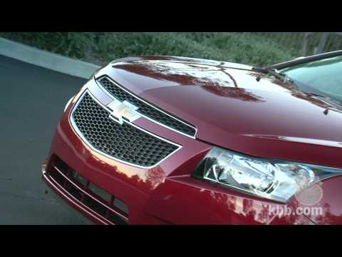 Chevrolet Cruze Video Review - Kelley Blue Book