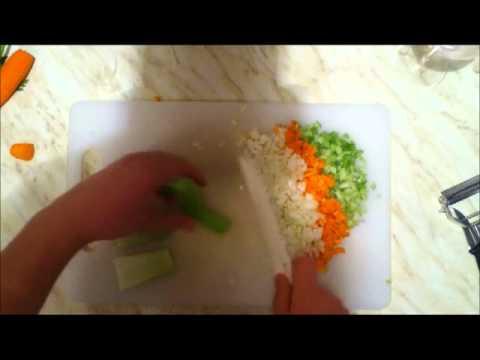 Taglio delle patate zucchine sedano carote alla julienn for Taglio alla julienne