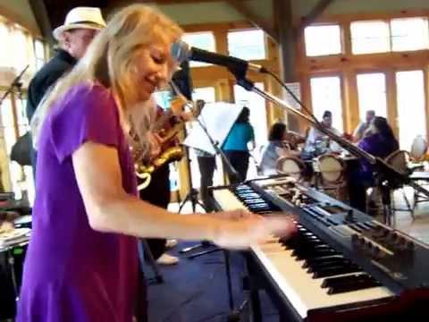 Bobby Nathan Band @ Martha Clara Vineyard