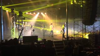 Hedley Invincible live 8/22/2015