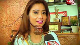 SARA KHAN DAYOUT WITH SBB