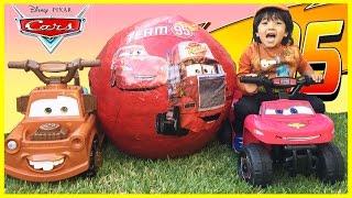 Disney Cars Toys GIANT EGG SURPRISE OPENING Lightning McQueen