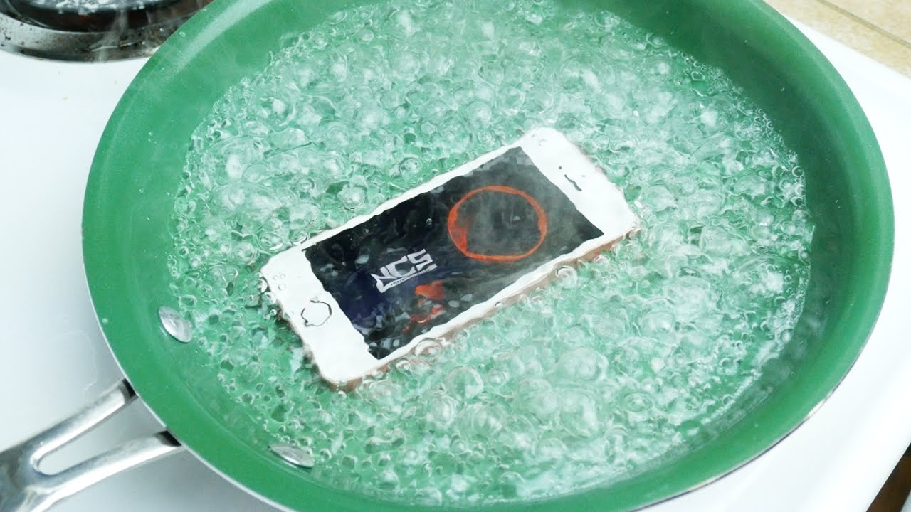 why is my iphone hot dropping an iphone se in boiling water 18253