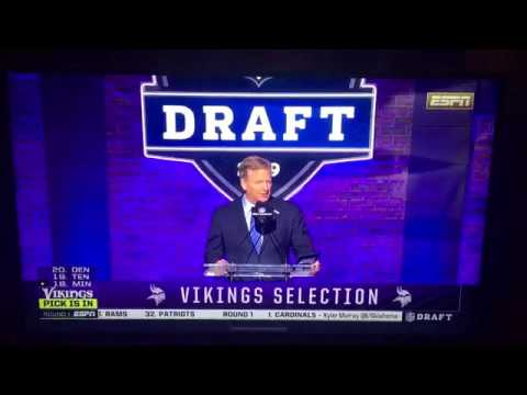 WATCH: Vikings Fans in Nashville react to Garrett Bradbury selection at #18
