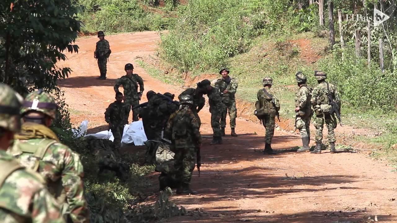 Ataque de las Farc en el Cauca deja diez militares muertos - YouTube