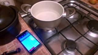 Кто победит: индукционная плитка Kitfort KT-107 или обычная газовая плита?(Проводим соревнование: кто быстрее вскипятит пол литра холодной воды.индукционная плитка Kitfort KT-107 или обыч..., 2015-01-15T17:41:08.000Z)