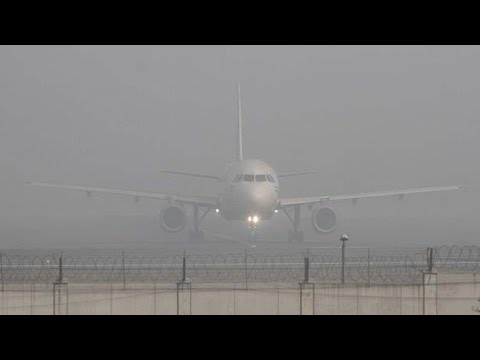 Fog Delays Delhi Flights - Watch Exclusive