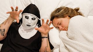 SCARING GIRLFRIEND WHILE SLEEPING!!
