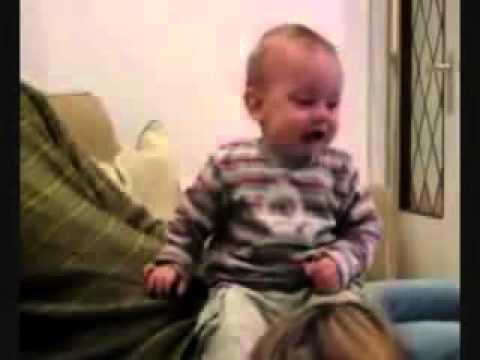 Смех маленького ребенка слушать