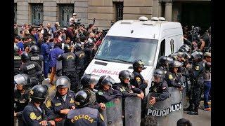 El expresidente Ollanta Humala y su esposa Nadine Heredia son trasladados a sus respectivos penales
