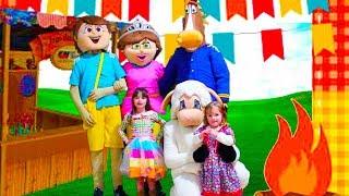 FESTA JUNINA NO HOTEL COM BONECOS GIGANTES E BRINCADEIRA DE SÃO JOÃO - PARTY FOR KIDS