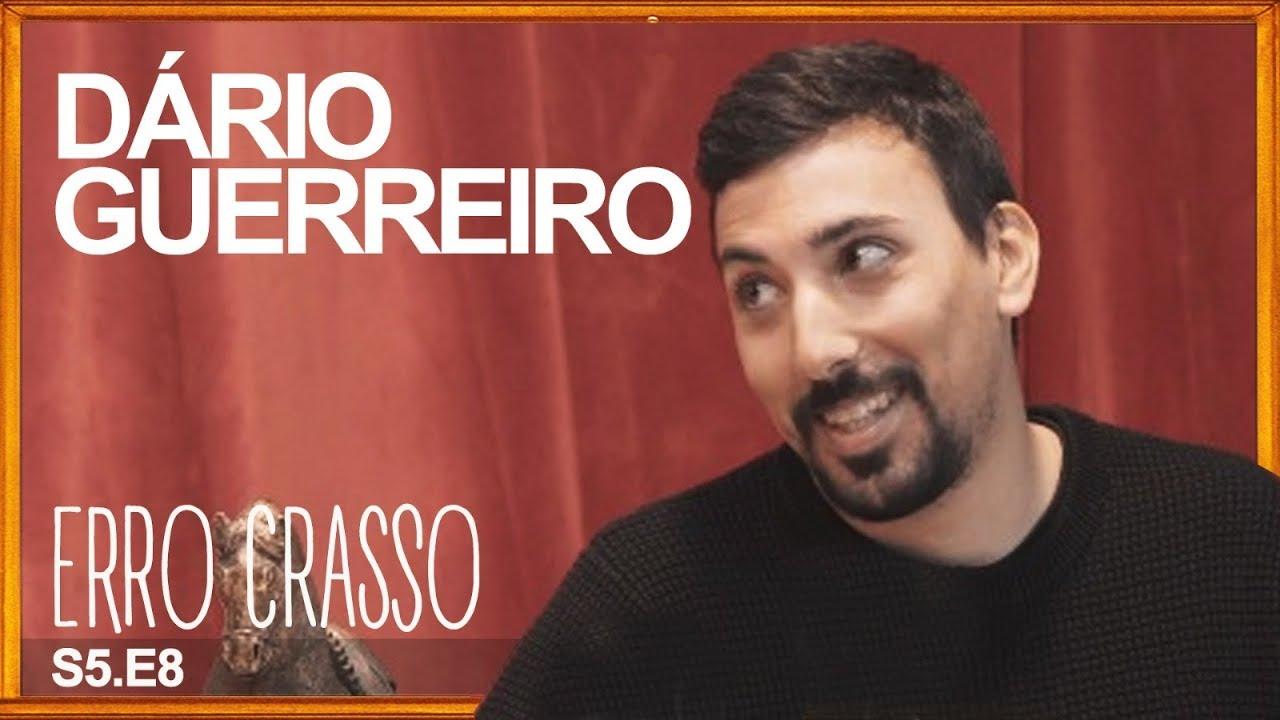 Erro Crasso T5 Ep8 - DÁRIO GUERREIRO finalmente bebe álcool, mata a sua gata e muito mais.