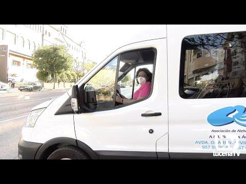 VÍDEO: La Asociación de Alzheimer Nuestros Ángeles estrena una furgoneta adaptada para sus usuarios