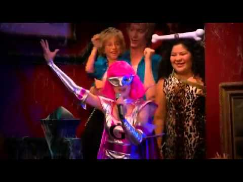 [HQ] Ross Lynch & Laura Marano - Don't Look Down (Austin & Ally//Costumes and Courage)