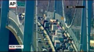 Raw Video: NYC Bridge Accident, Water Search