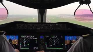 Vietnam Airlines 787 cockpit view landing