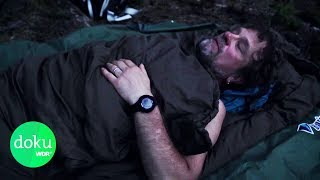 Allein im Wald: Schlafen in der Wildnis | WDR Doku